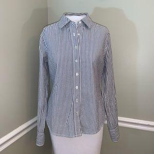 Vineyard Vines seersucker button front shirt